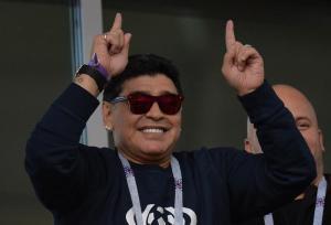 Maradona dice que ''a los favoritos no les está yendo bien'' en este Mundial
