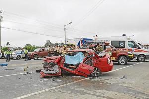 Policía muere en un accidente