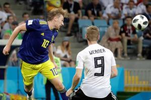 Toni Kross y Marco Reus salvan a Alemania del desastre y ganan 2-1 ante Suecia