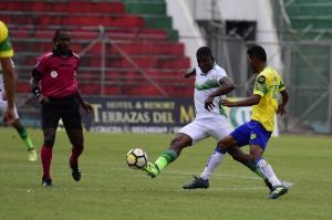 Liga de Portoviejo logra un empate sin goles ante Gualaceo