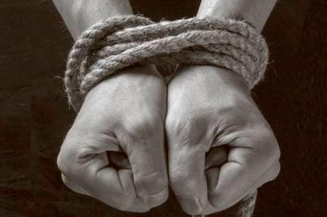 Rescatan en Colombia a un secuestrado que estaba amarrado a un árbol
