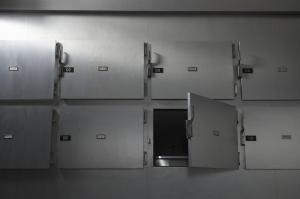Una morgue sudafricana descubre que una paciente declarada muerta estaba viva