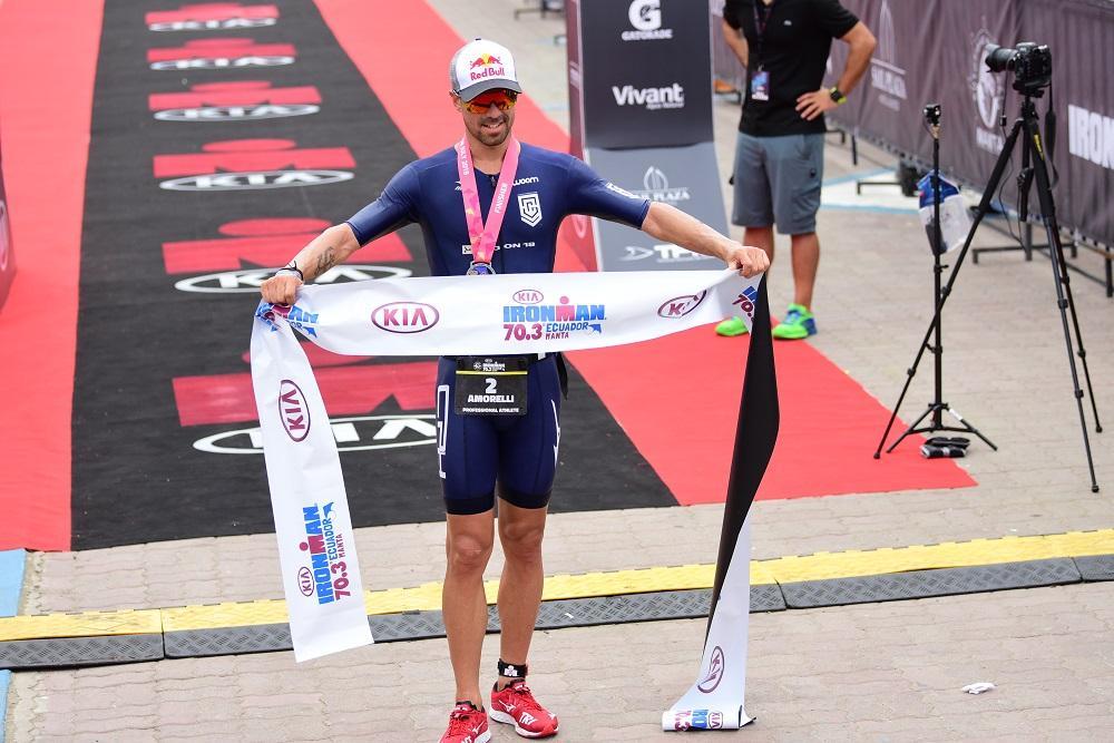 Igor Amorelli de Brasil ganó la competencia del Ironman 70.3 de Manta