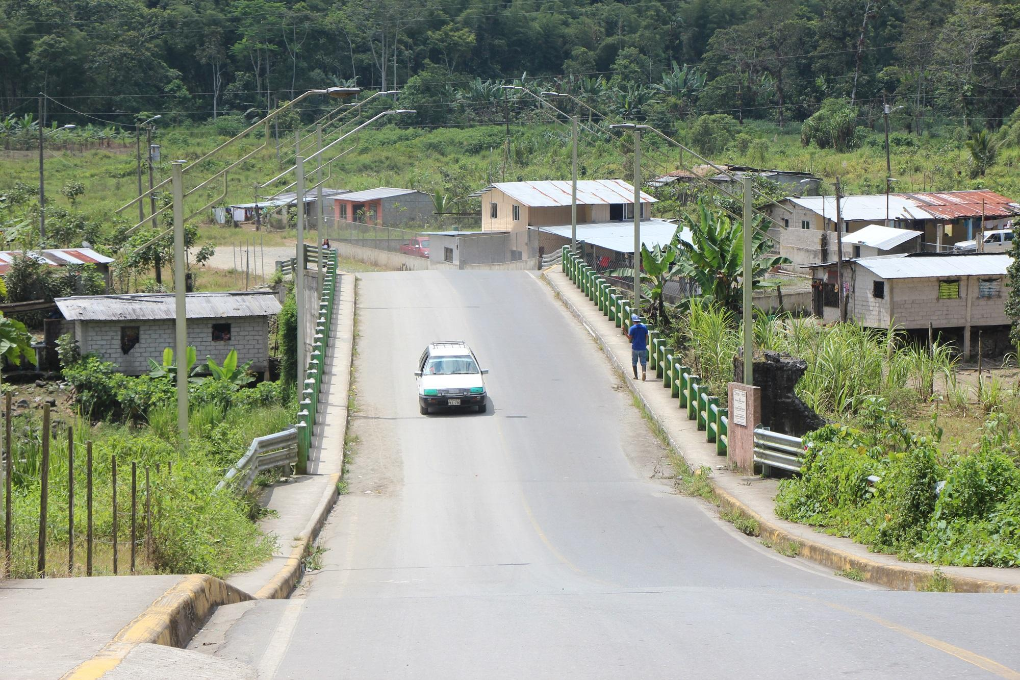 Un puente que une a nueve recintos