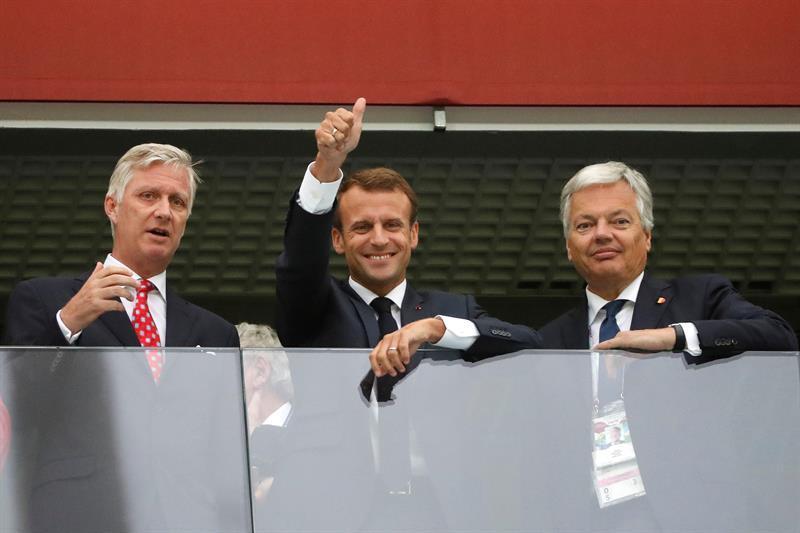 Macron y el rey Felipe de Bélgica apoyan a sus selecciones en Rusia