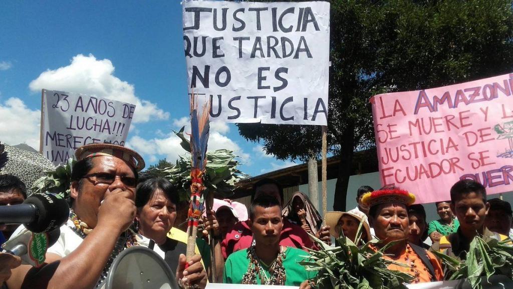 Afectados por Chevron e indígenas señalan como ''histórico'' fallo en Ecuador