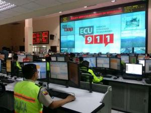 Niño de 7 años llama al 911 y ayuda a su hermana de 3 años en Loja
