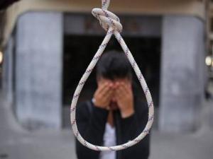 Chone: Un hombre apareció ahorcado cerca de un corral y es la víctima 59 de los suicidios