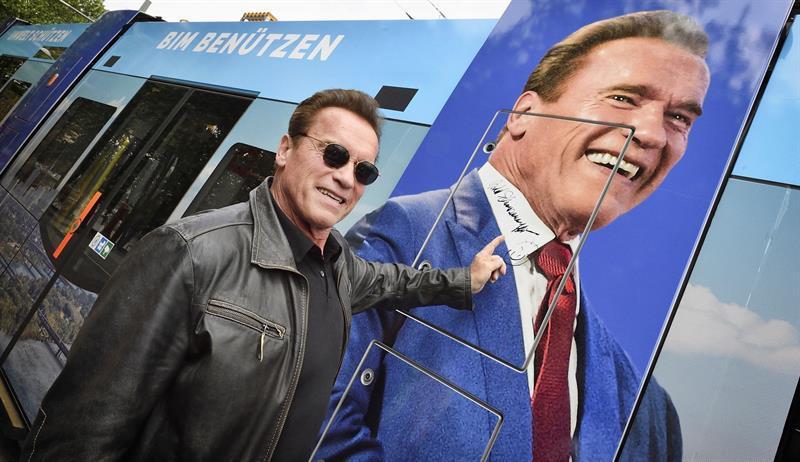 Subastan autógrafo de Schwarzenegger con el fin de reunir fondos para salvar tortugas