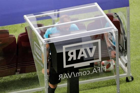 FIFA ''muy satisfecha'' con actuación de árbitros e implantación de VAR