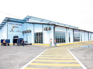 Reconstrucción del aeropuerto de Manta no se dará en este año