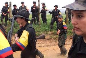 Disidentes de FARC queman vehículo de ONG británica de desminado en Colombia