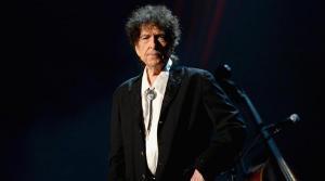 Subastan por casi 30.000 dólares una carta manuscrita de Bob Dylan de 1975