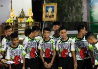 Jamaica invita a vacacionar a los doce niños y entrenador atrapados en una cueva en Tailandia