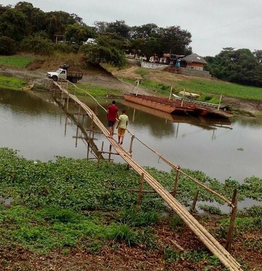 Improvisan un puente