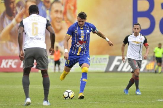 Delfín vence 2-0 a Liga de Quito en el estadio Jocay
