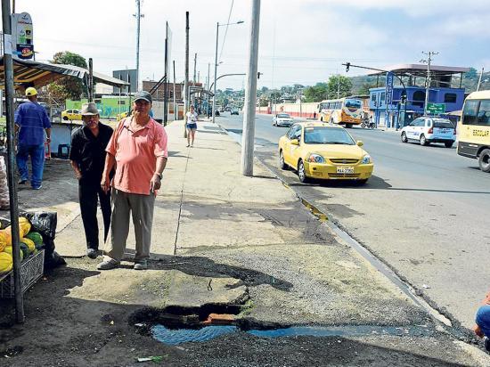 Cerrarán un carril de la vía a Santa Ana para  reparar una tubería