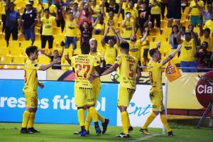 Barcelona vence 3 a 1 a El Nacional en el estadio Monumental