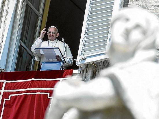El Papa Francisco pide se actúe con decisión para evitar naufragios