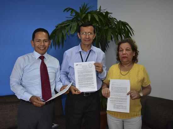 La UNE de Manabí recibe su nueva  personería jurídica
