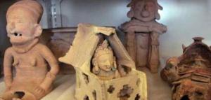 Autoridades ecuatorianas recuperan en Alemania 13 estatuas y vasijas precolombinas