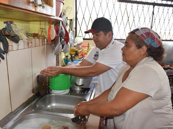 Mil familias ya tienen agua en Pedernales