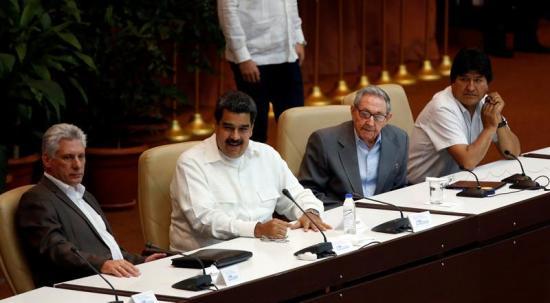 Nicolás Maduro posterga reconversión monetaria y dice que reducirá cinco ceros al bolívar