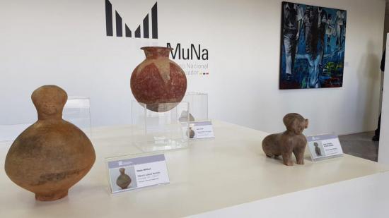 Gobierno ecuatoriano presenta 13 bienes arqueológicos recuperados en Alemania