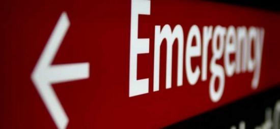 Embarazada da a luz de urgencia luego de que una policía golpeara su vientre