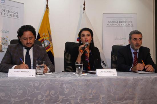 Gobierno ecuatoriano rechaza críticas de familiares de periodistas asesinados