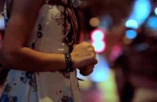 Una mujer es sentenciada a trece años por prostituir a sus dos hijas, en Manabí