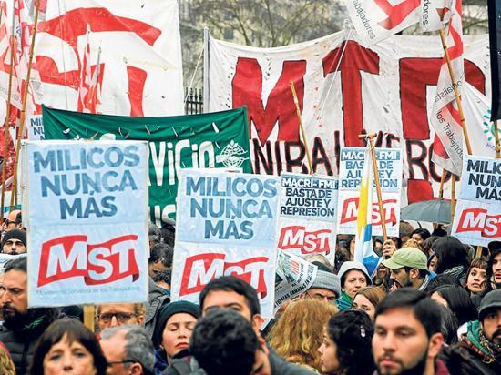Protestan por cambios en las Fuerzas Armadas a través de un decreto
