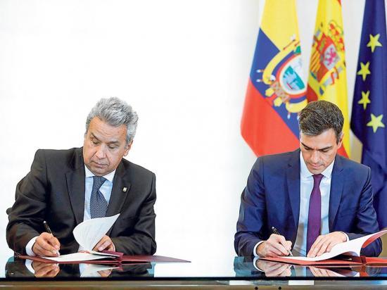 Moreno firma acuerdo con Sánchez para lucha al crimen organizado