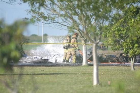 Dos muertos al estrellarse una avioneta en aeropuerto del noreste de Florida