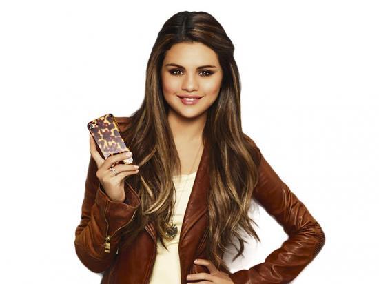 Selena deleita y encanta