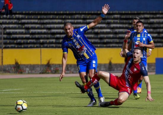 Delfín remonta la derrota y saca un agónico empate 3-3 contra El Nacional