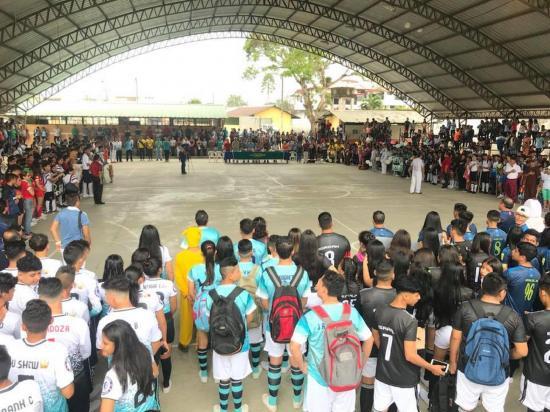 Colegio celebra juegos deportivos