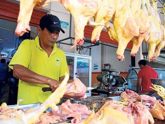 La libra de pollo 'vuela'  hasta 30 centavos más