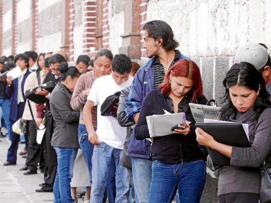 Ecuador invertirá 96 millones de dólares en créditos para empleos juveniles