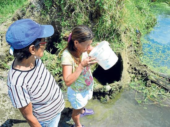 Fuertes críticas por falta de agua en zonas rurales