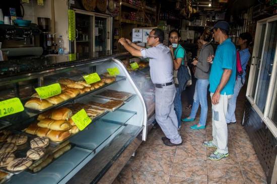 Restablecen parcialmente el servicio eléctrico en Caracas