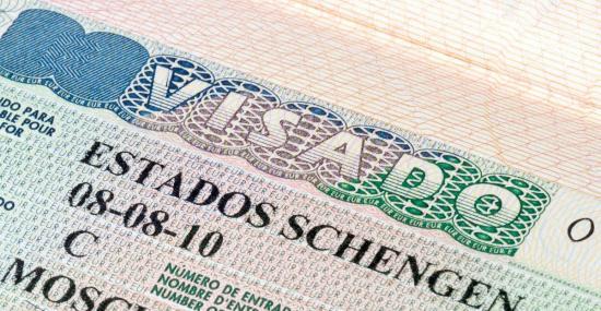 Ecuador confía en próxima eliminación de visado Schengen a ecuatorianos