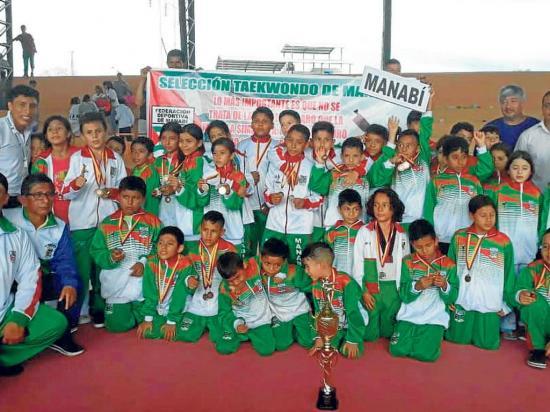 Manabí logra título en torneo