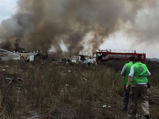Ráfaga de viento derribó avión accidentado en México, afirma gobernador