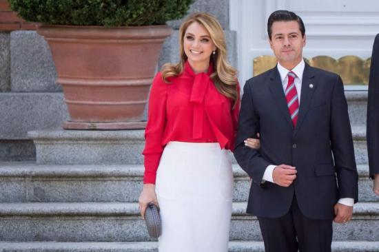 Peña Nieto festeja el cumpleaños de su esposa y celebra diez años de amor