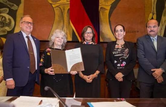 Asamblea condecora a israelí Ada Yonath, premio Nobel de Química