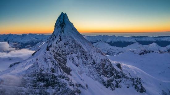 Intentan evacuar a un hombre que lleva atrapado una semana en una montaña en Nueva Zelanda