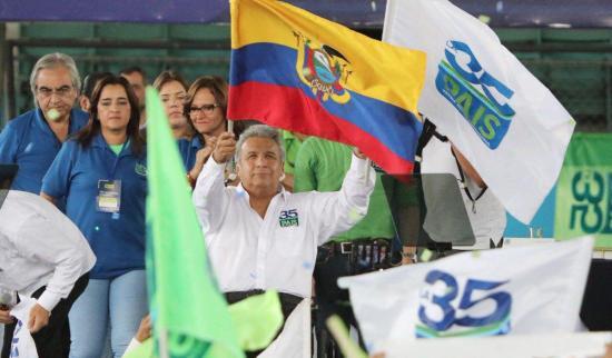Movimiento Alianza PAIS ratifica a Lenín Moreno como líder