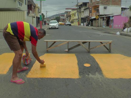En la calle San Eduardo piden  asfaltado y arreglo de callejones
