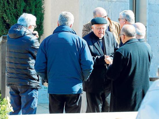 Los sacerdotes piden perdón